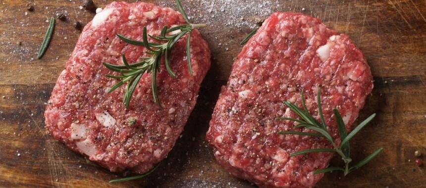 ستيك البرجر مع البصل وصوص اللحم
